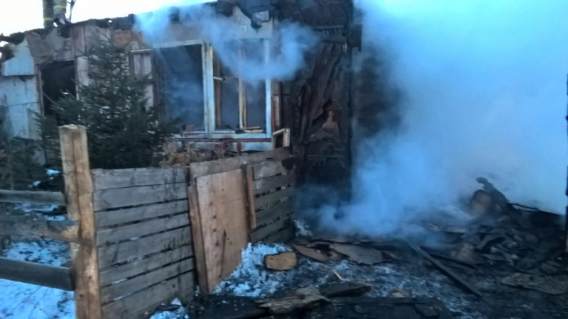 Иркутянин спас изгорящего дома 2-х сестер